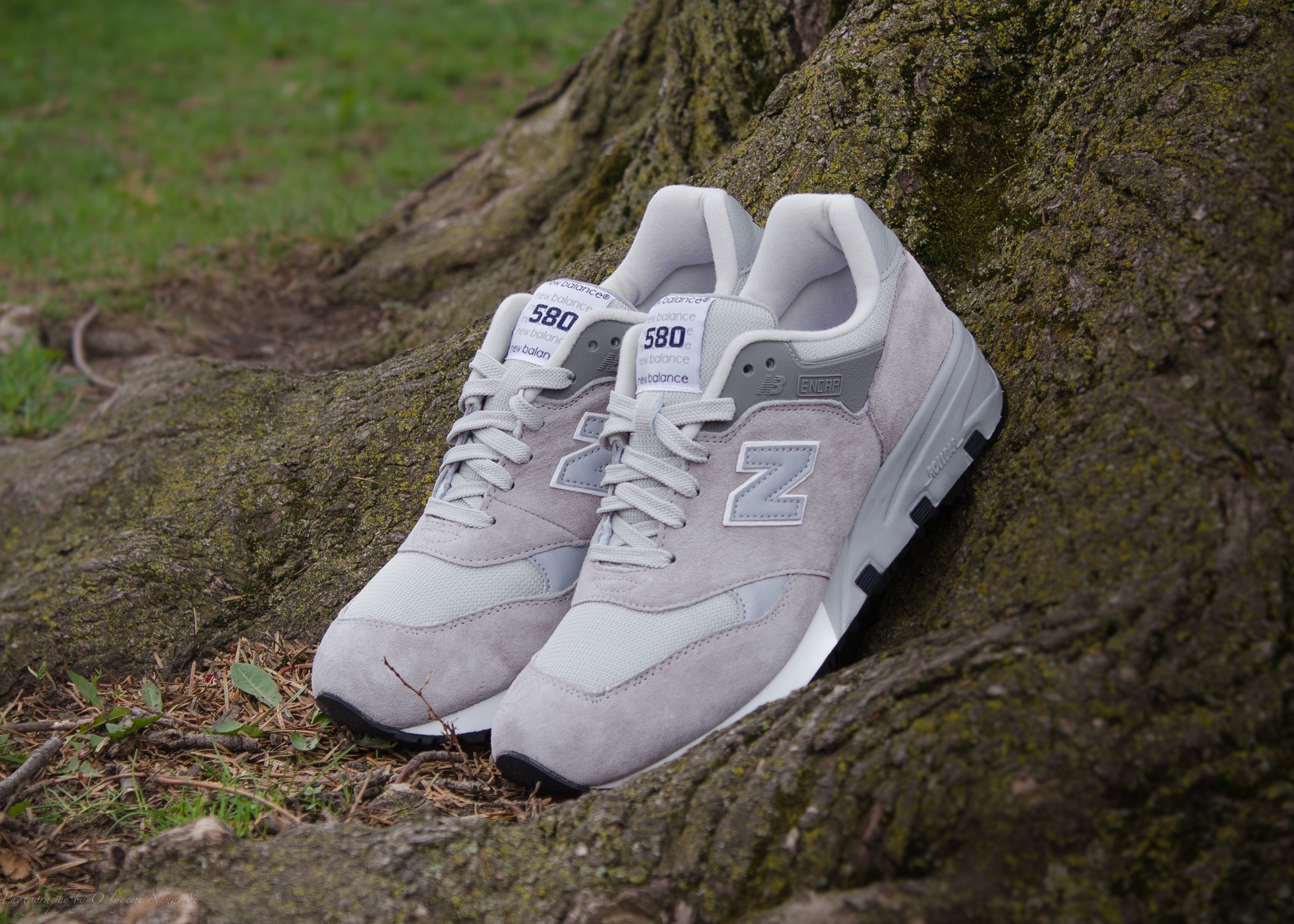 Not to be confused with the New Balance MT580, the CM580GR features a luxurious mix of grey pigskin suede on the upper with white accents.
