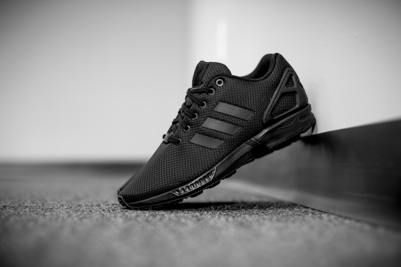 adidas originals zx flux black black grey