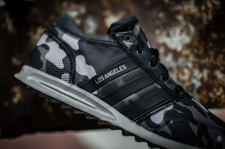 6-4-15 PEOPLE FOOTWEAR ADIDAS COSMIC BOOST UNDFTD-20