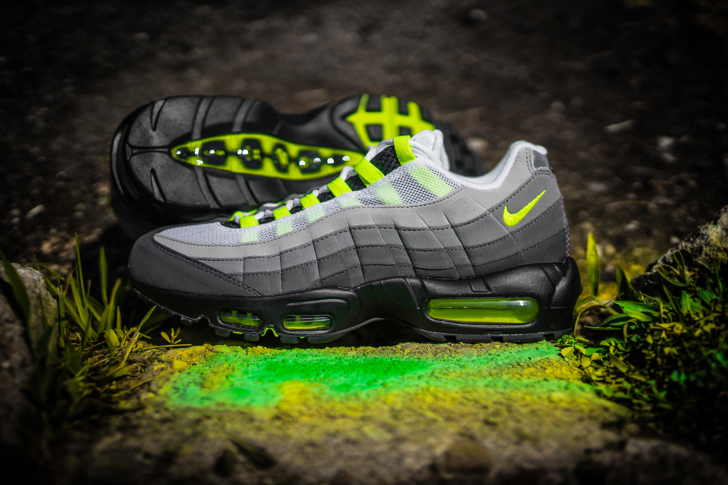 nike air max 95 og neon launching 7 25 packer shoes. Black Bedroom Furniture Sets. Home Design Ideas