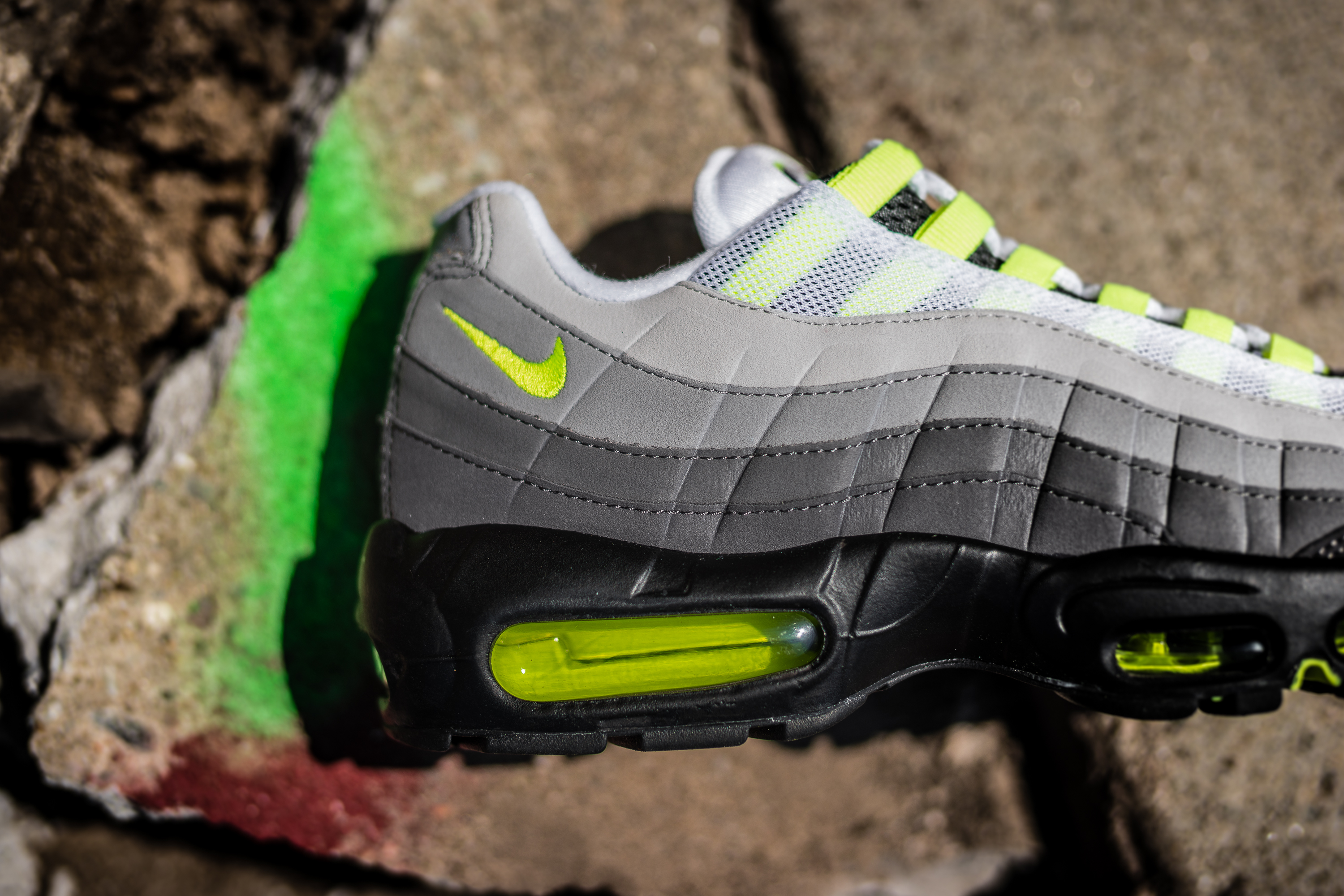 nike air max 95 og neon launching 7 25 packer. Black Bedroom Furniture Sets. Home Design Ideas