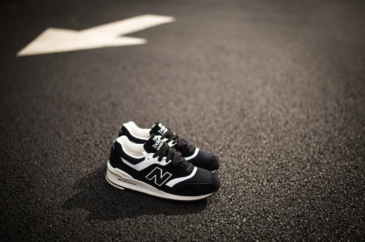 new-balance-997-black-white-2