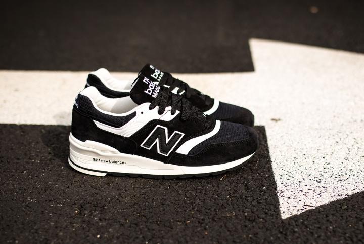 new-balance-997-black-white-3