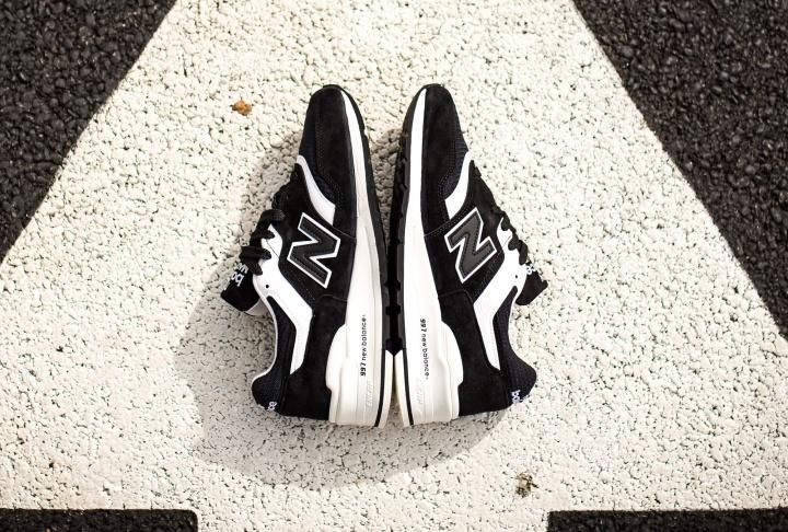 new-balance-997-black-white-4