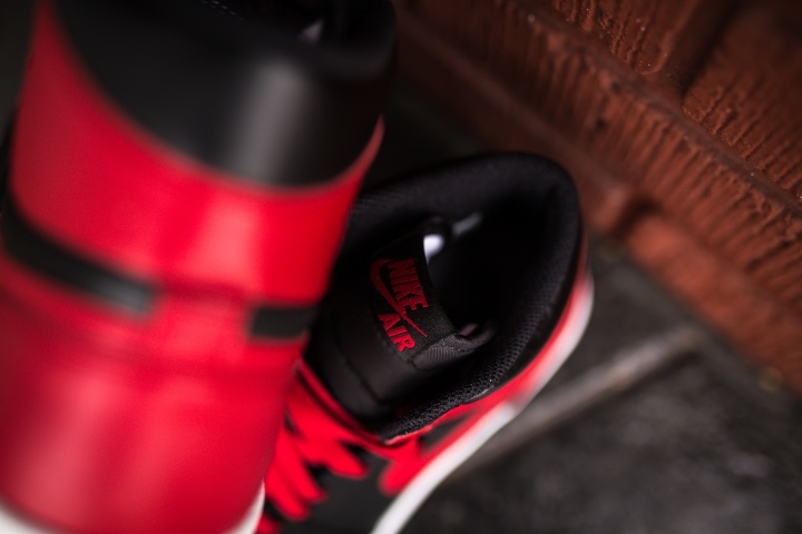 Jordan 1 The Return black-red-8