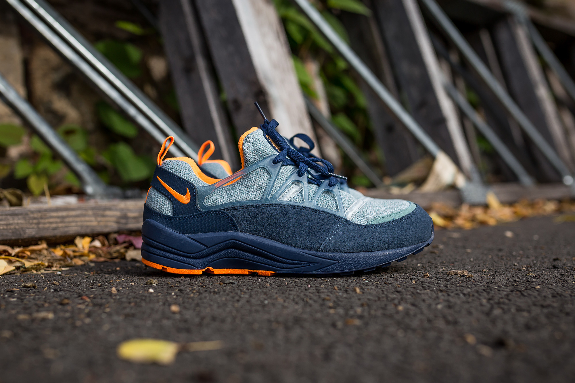 nike air huarache light midnight navy bright citrus packer shoes. Black Bedroom Furniture Sets. Home Design Ideas