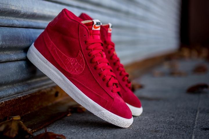 Nike-Blazer-Mid-PRM-VNTG-Gym-Red-1