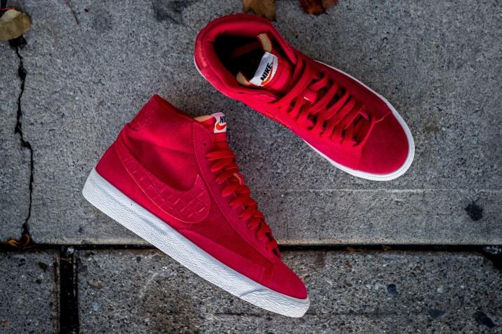 Nike-Blazer-Mid-PRM-VNTG-Gym-Red-3