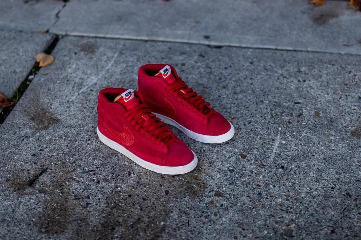 Nike-Blazer-Mid-PRM-VNTG-Gym-Red-4