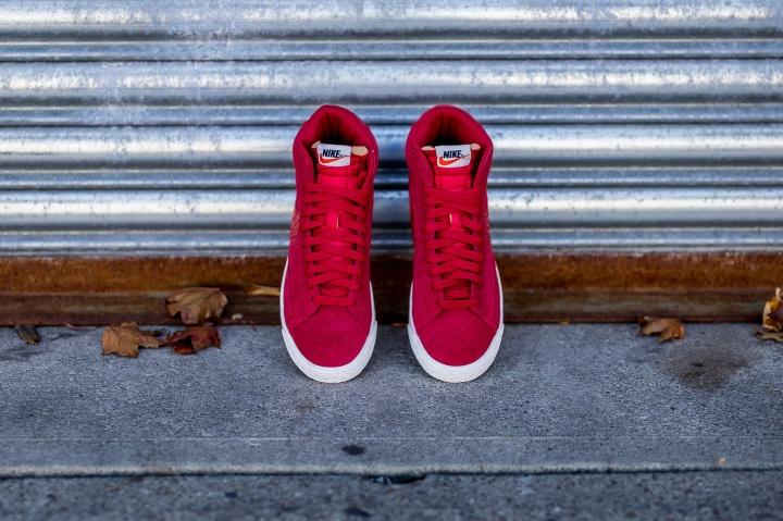 Nike-Blazer-Mid-PRM-VNTG-Gym-Red-5