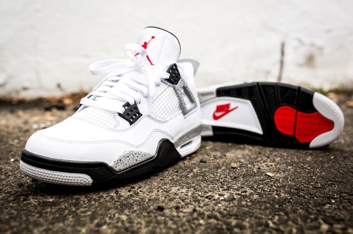 Air Jordan IV White Cements Retro OG
