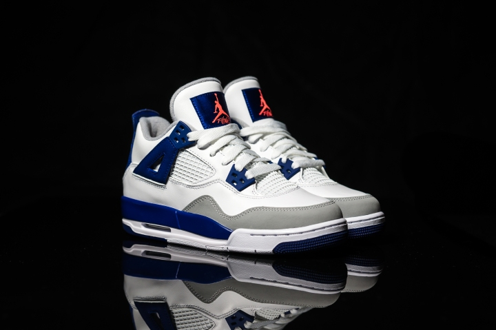 Air Jordan IV white-blue-infrared-3