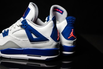Air Jordan IV white-blue-infrared-9