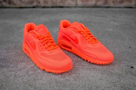 Nike Air Max 90 Ultra BR Total Crimson web crop angle