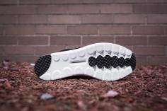 Nike Mayfly Black-5