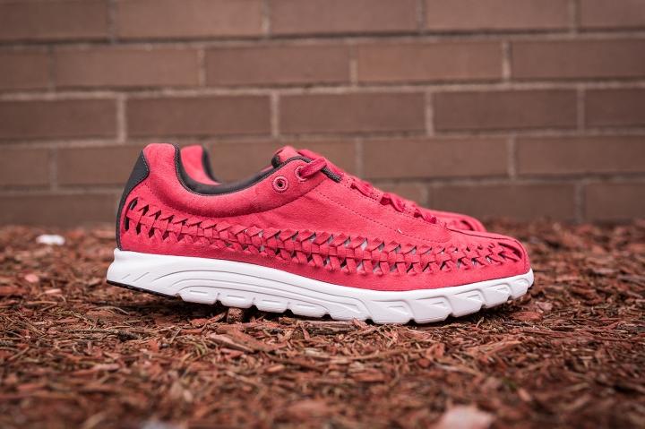 Nike-Mayfly-pink-1