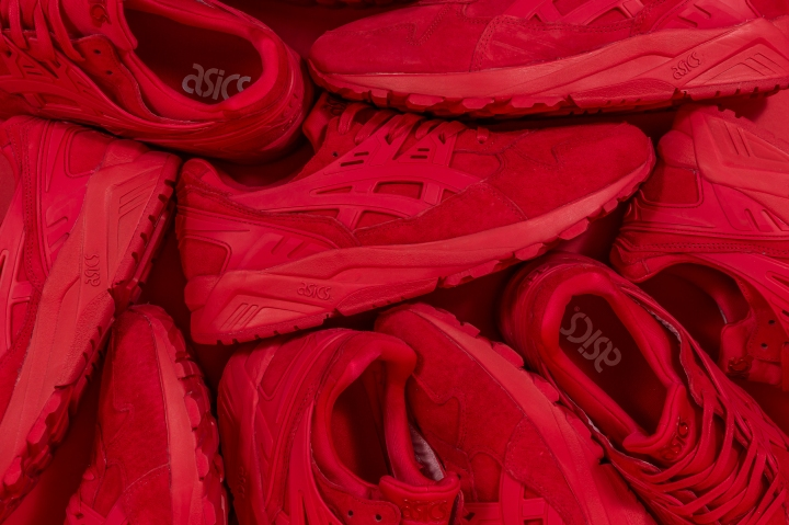 asics-kayano-triple-red-packer-exclusive
