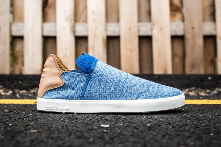 adidas Vulc Slip On Pharrell Williams Blue-grey-white side