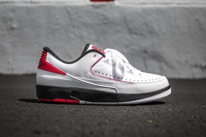 Air Jordan 2 Low 'Chicago' side