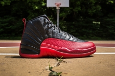 Air Jordan XII 'Flu Game' side