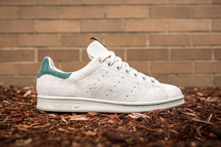 Juice x adidas Stan Smith white-green side