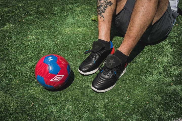 Packer-Umbro-copa-100-linesman-on-foot-5