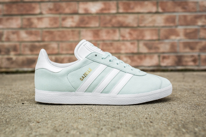 adidas Gazelle Ice-white side