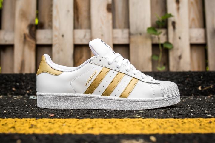 adidas Superstar White-Gold side