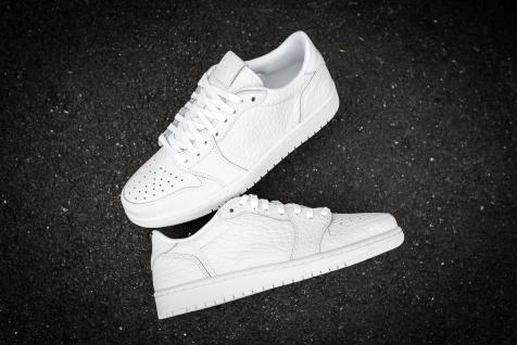 Air Jordan 1 Low No Swoosh white-white-19