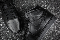 Air Jordan 1 Mid Black-Black-Dark Grey Noir-11