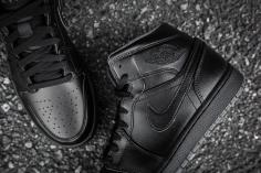 Air Jordan 1 Mid Black-Black-Dark Grey Noir-11