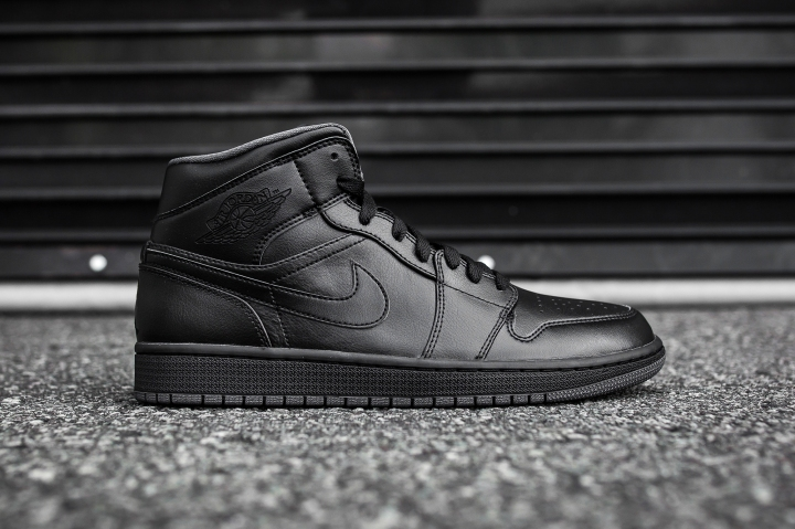 Air Jordan 1 Mid Black-Black-Dark Grey Noir side