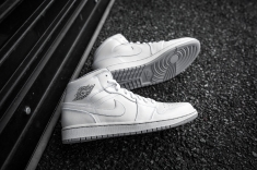 Air Jordan 1 Mid White-Wolf Grey-12