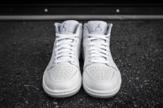 Air Jordan 1 Mid White-Wolf Grey-4