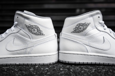 Air Jordan 1 Mid White-Wolf Grey-6