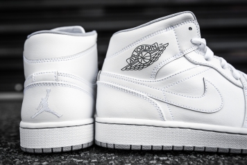Air Jordan 1 Mid White-Wolf Grey-9