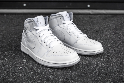 Air Jordan 1 Mid White-Wolf Grey angle