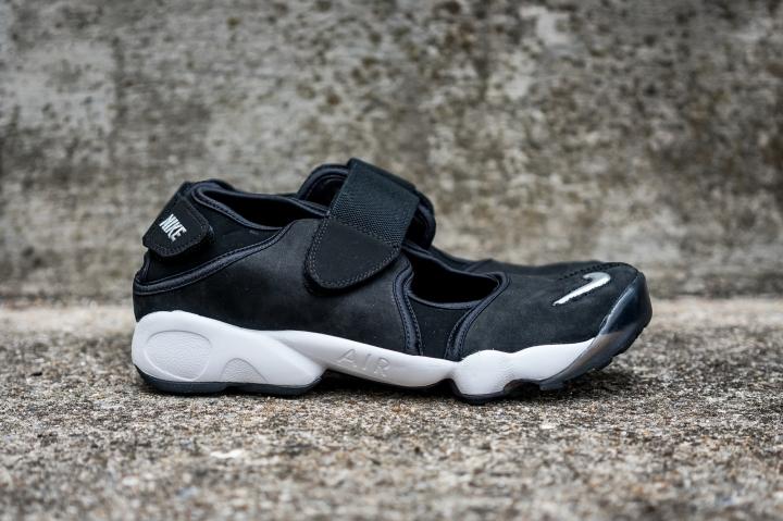 NikeAirRiftWEB-1