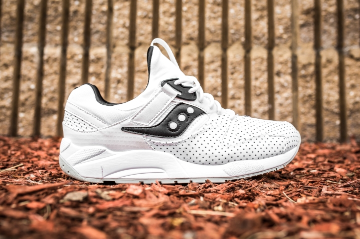 Saucony Grid 9000 'Micro Dot' White side