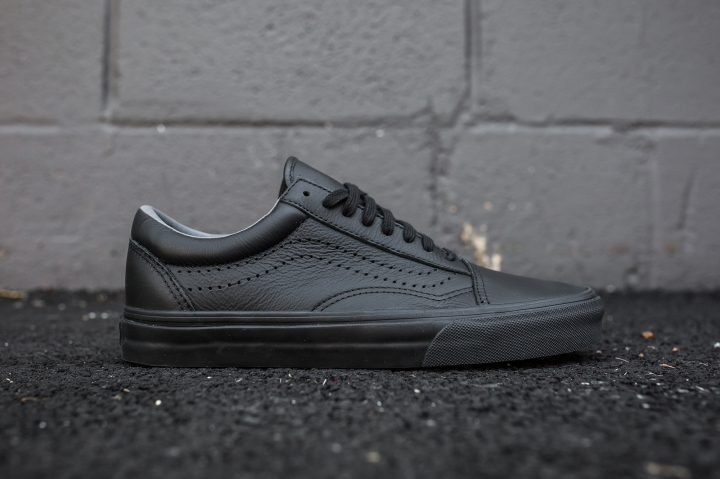 Vans Old Skool Reissue Black side