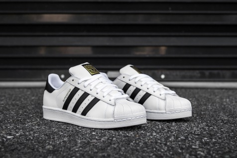 adidas Superstar White-Black angle