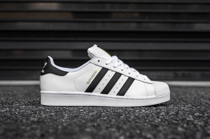 adidas Superstar White-Black side
