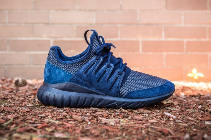 adidas Tubular Radial Navy side