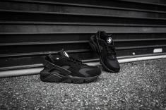 Nike Air Huarache Black-Black-10