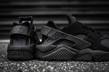 Nike Air Huarache Black-Black-11