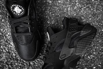 Nike Air Huarache Black-Black-12