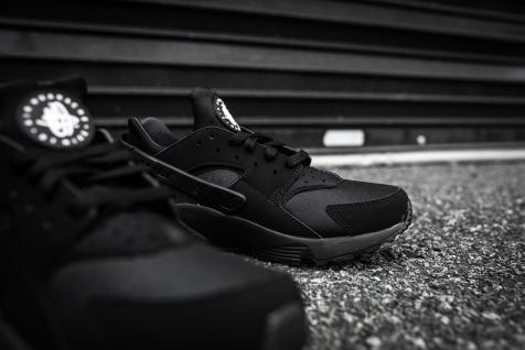 Nike Air Huarache Black-Black-9