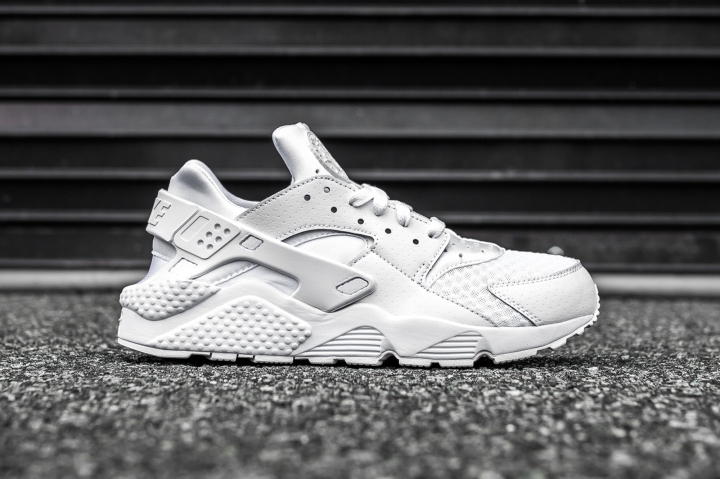 Nike Air Huarache White-White side