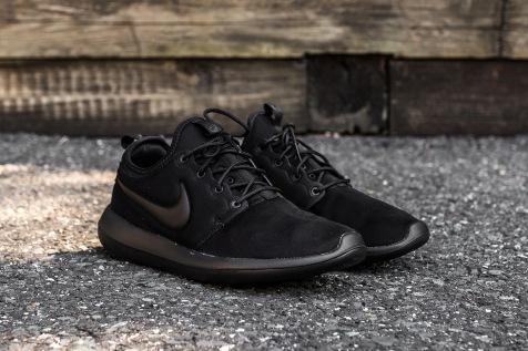 Nike Roshe Two Black-Black angle