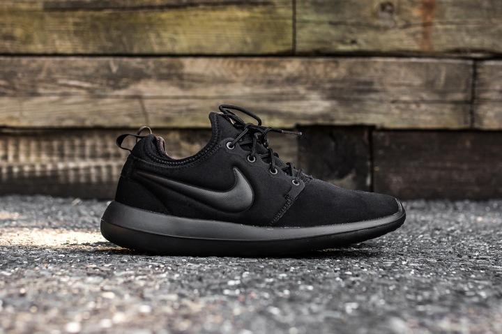 Nike Roshe Two Black-Black Side